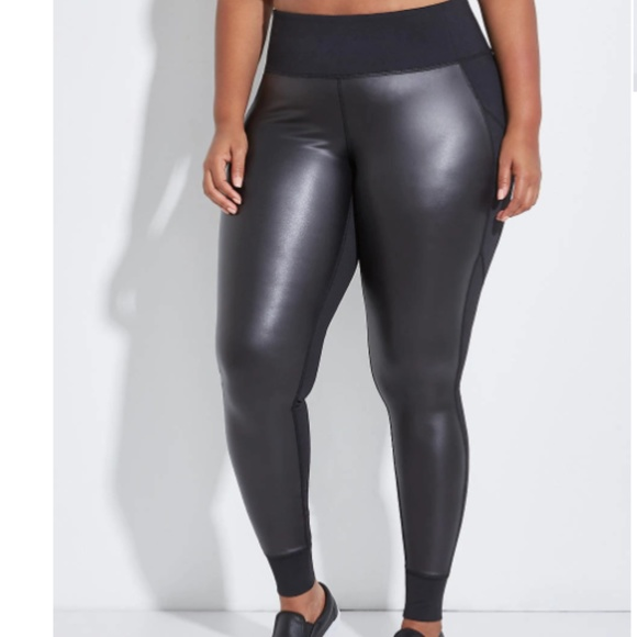 738abb8d5a0 Lane Bryant Legging w Faux Leather Sz 26 28 Plus